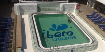 realizzazione piscina e pool area attorno